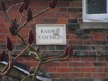 RailwayCottages2