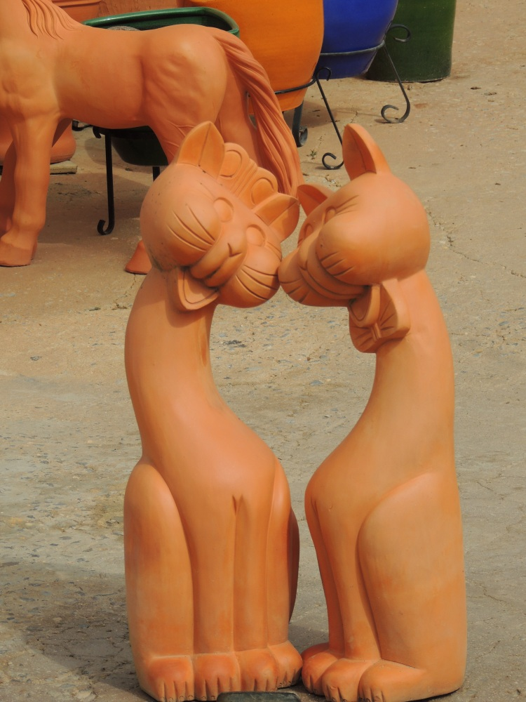 Portuguese pottery cats