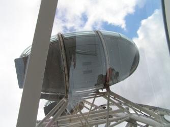 Look up London Eye