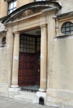entrance-to-no37