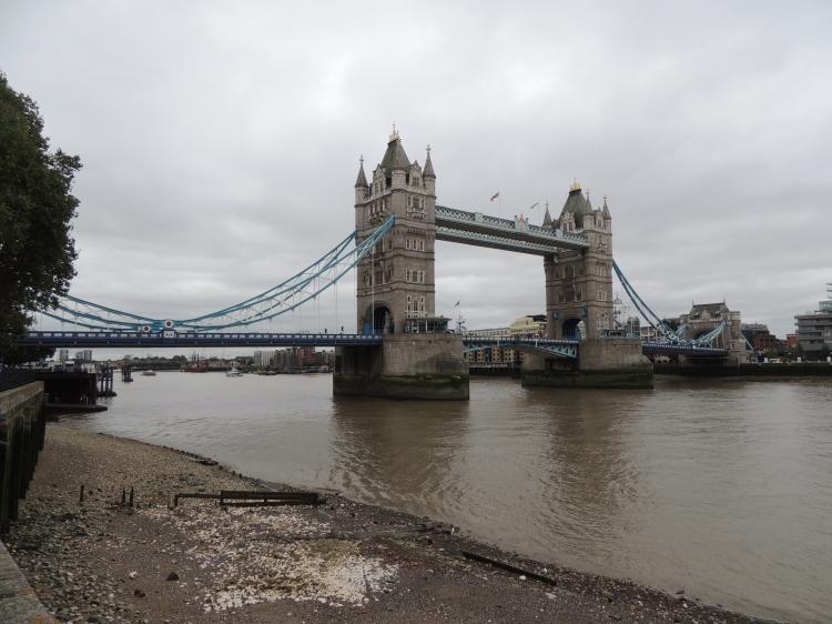 tower-bridge-at-low-tide