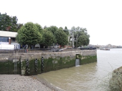 was-the-entrance-to-shadwell-basin