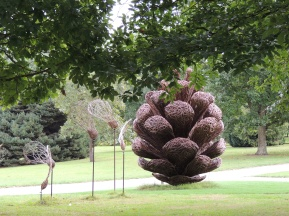 start-of-the-pine-willow-scupture-trail