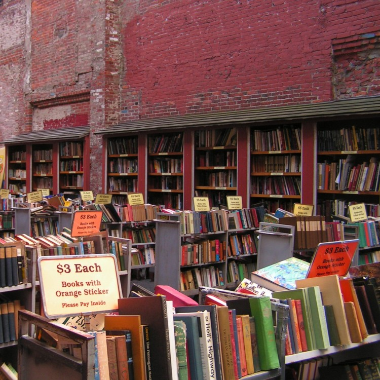 Brattle Bookshop Outside Lot