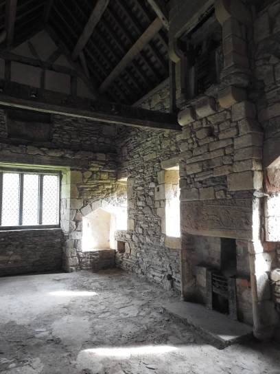 Bishop's room, note the upper fire place